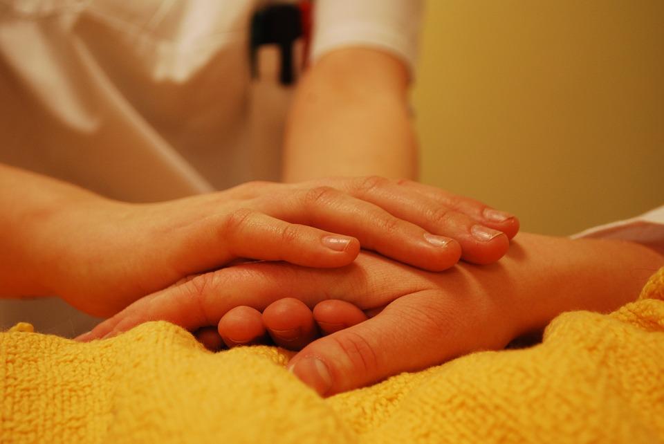 hands comforting